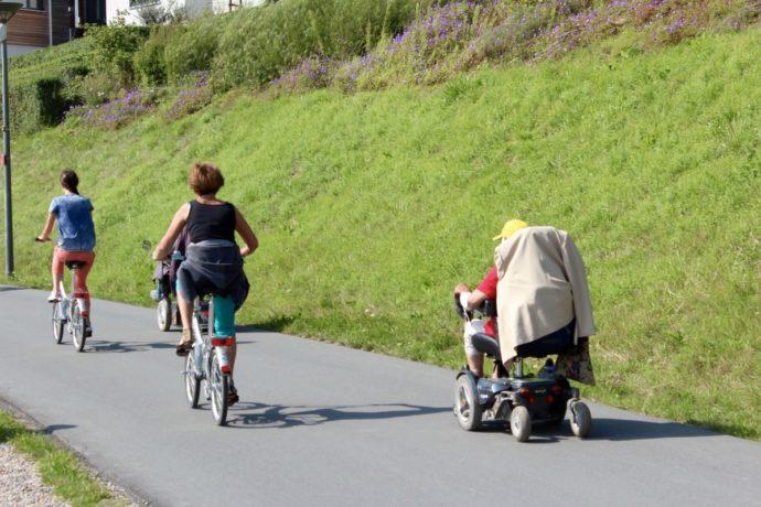 pratiquer vélo en famille